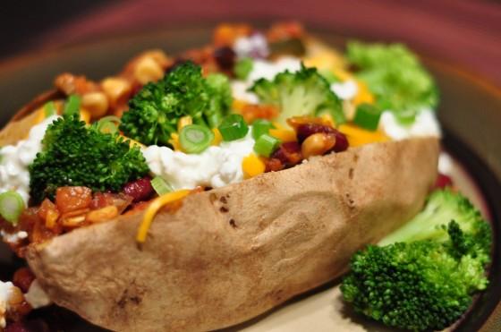 baked-potato-buffet-560x371