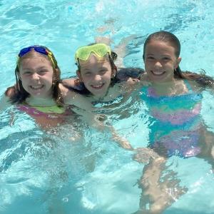 pool children